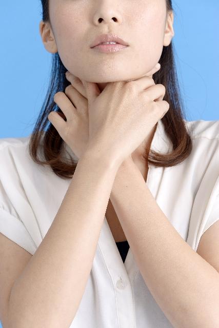 痰が絡むような喉の違和感!咳や吐き気もある時の …